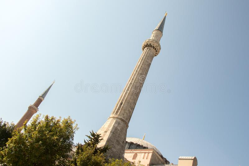 Minaret des mosquées de tabouret en vue photo stock