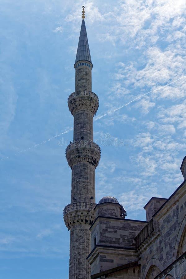 Minaret i istanbul royaltyfria bilder