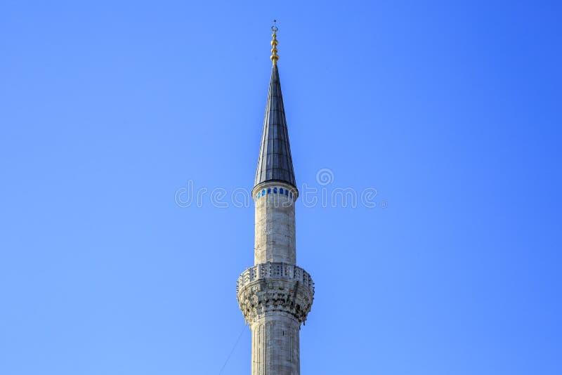 Minaret jeden meczety w Istanbuł zdjęcia stock