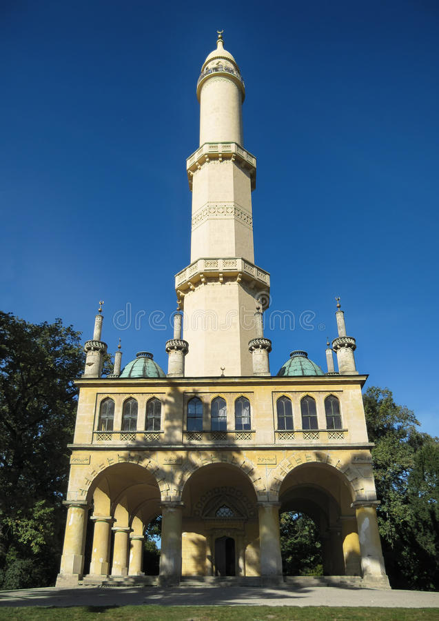 Minaret Lednice, Tjeckien fotografering för bildbyråer