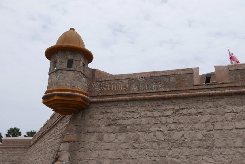 Minaret w xviii wiek fortecy w Callao, Peru zdjęcie stock