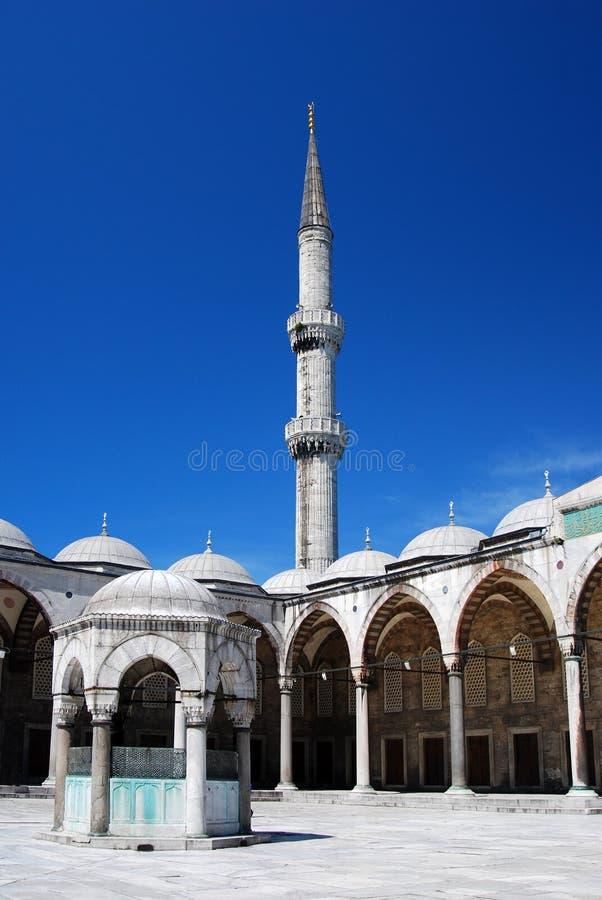 Minarete azul da mesquita foto de stock royalty free