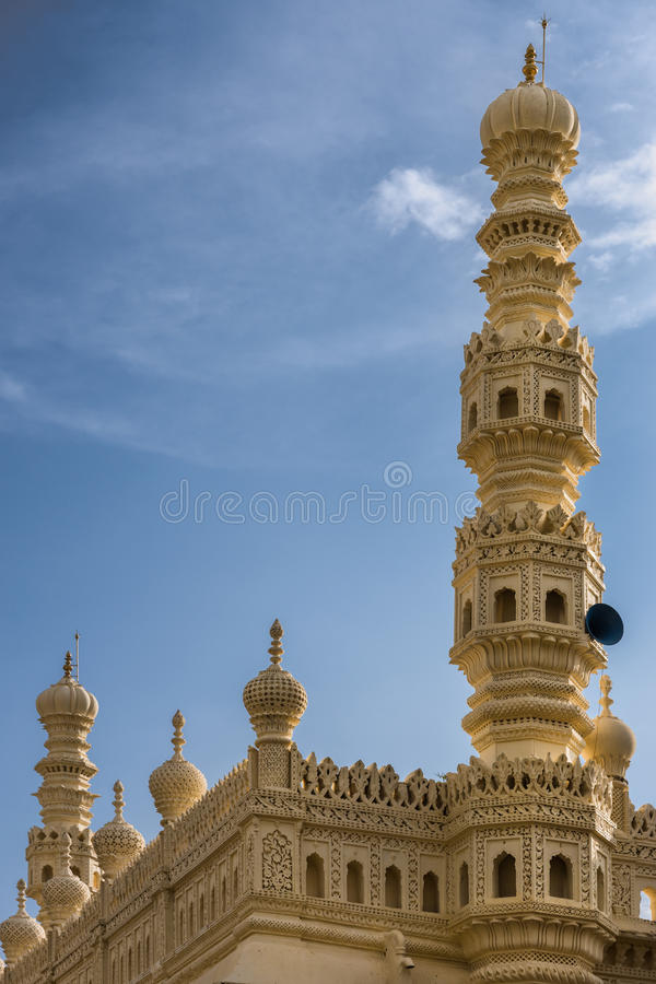 Minarete da mesquita em Tipu Sultan Mausoleum, Mysore, Índia fotografia de stock