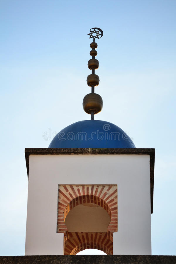 Minarete islâmico. foto de stock