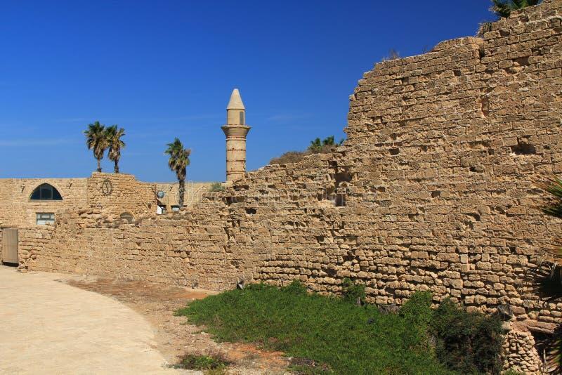 Minarete no parque nacional de Caesarea Maritima imagens de stock royalty free