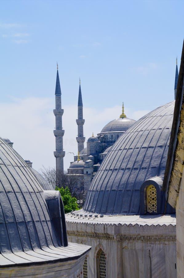 Minareti della moschea blu sopra Costantinopoli, Turchia fotografie stock