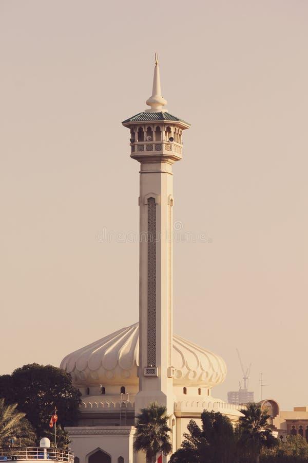 Minarety które stoją out meczety są głównym architektonicznym cechą obraz royalty free
