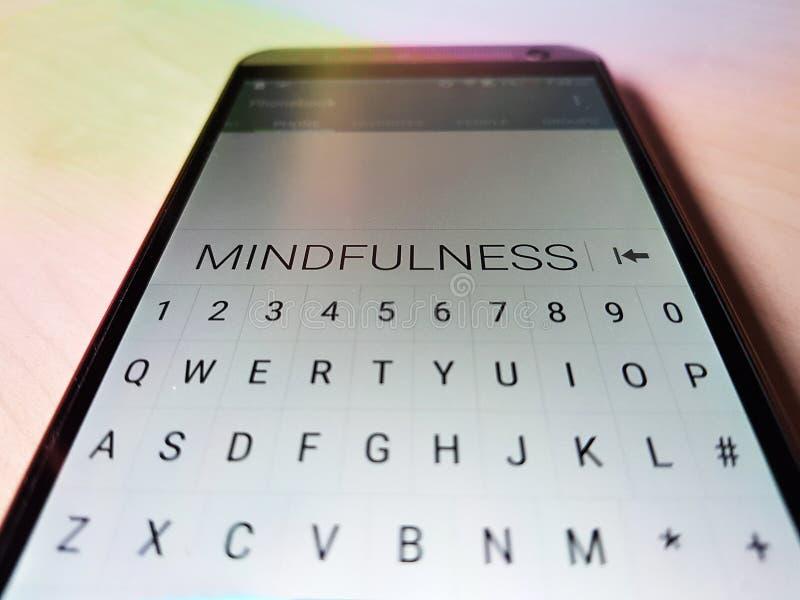MINDFULNESS wystawiający na telefonie komórkowym zdjęcie stock