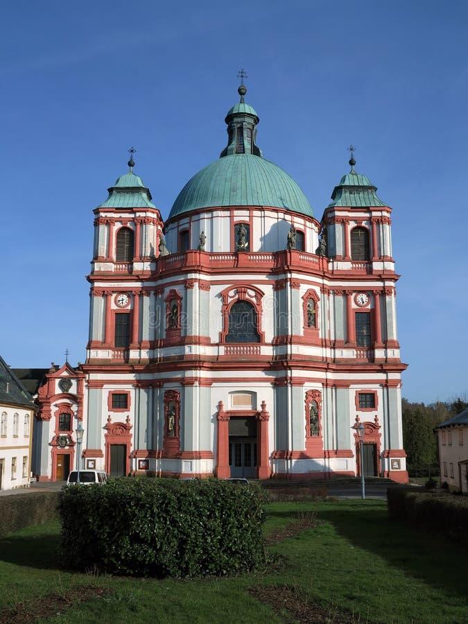 Mindre basilika av St Lawrence och St Zdislava royaltyfri bild