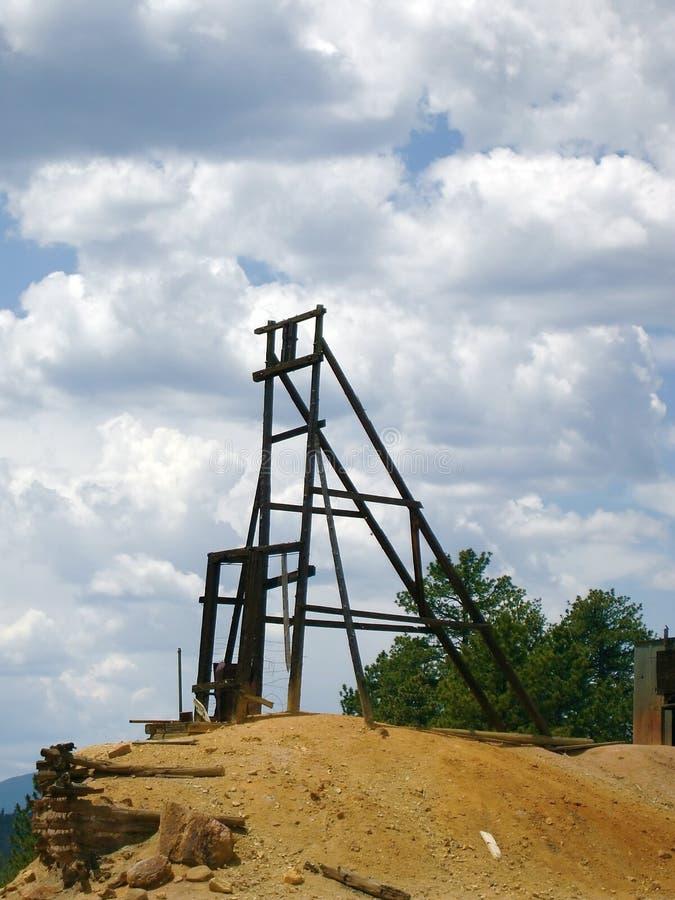 Mine abandonnée dans les montagnes rocheuses image libre de droits
