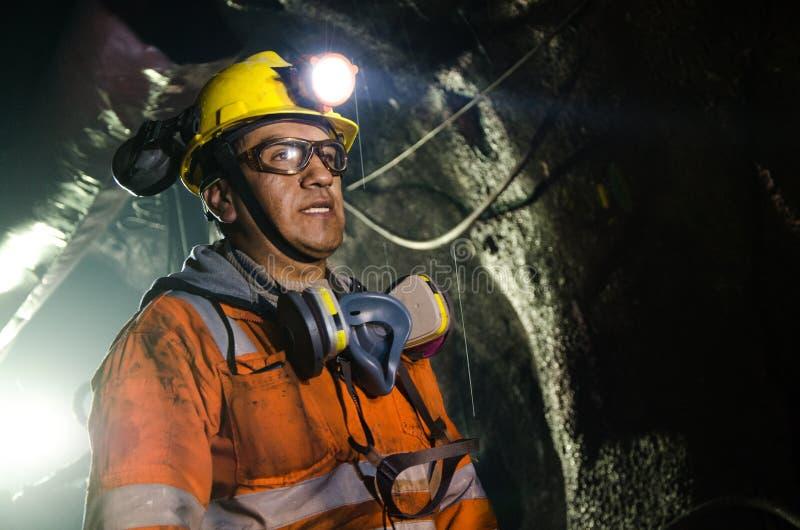 Mineiro na mina imagens de stock