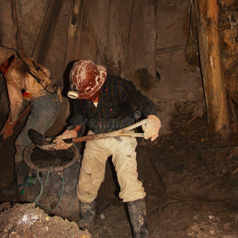 Mineiros que trabalham na mina do potosì em Bolívia fotos de stock royalty free