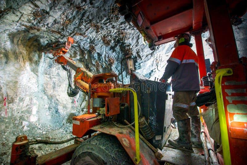 Minería aurífera subterráneo fotos de archivo libres de regalías