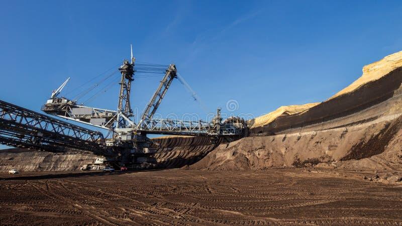 mineração da máquina escavadora da Cubeta-roda fotos de stock royalty free