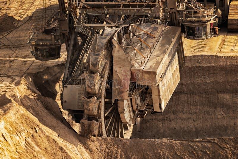 Mineração da máquina escavadora de roda de cubeta fotos de stock