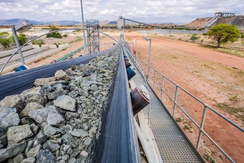 Mineração da platina e processamento do minério imagens de stock royalty free