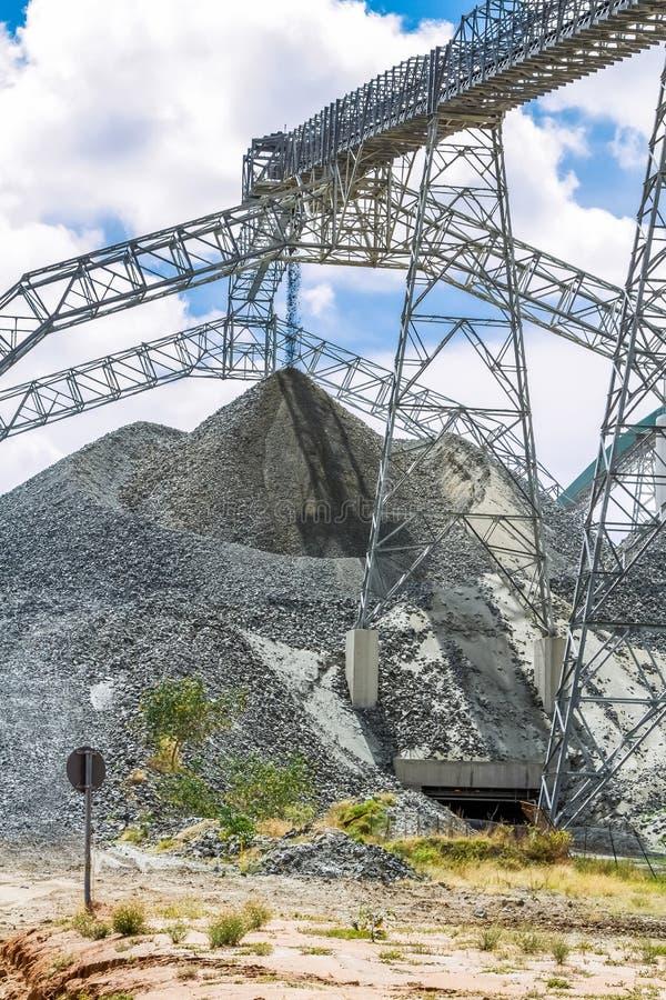Mineração da platina e processamento do minério fotos de stock