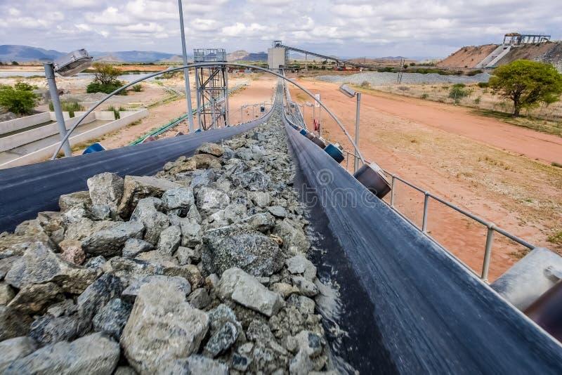 Mineração da platina e processamento do minério imagem de stock royalty free