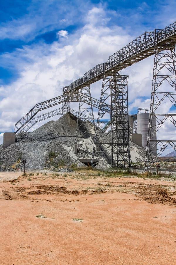 Mineração da platina e processamento do minério fotos de stock royalty free