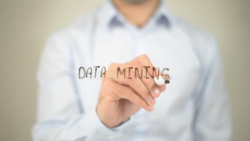 Mineração de dados, escrita na tela transparente fotos de stock royalty free