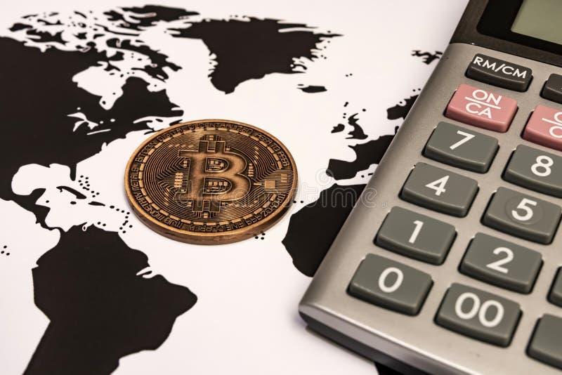 Mineração de dinheiro por Cyripto A BTC Bitmoney é uma rede de consenso que proporciona um novo sistema de pagamentos e uma moeda foto de stock