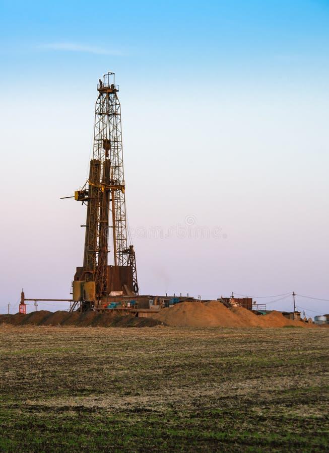 Mineração do gás do xisto foto de stock