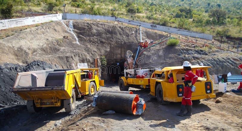Mineração e equipamento do paládio da platina foto de stock royalty free