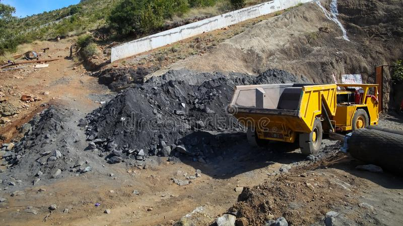 Mineração e equipamento do paládio da platina fotografia de stock
