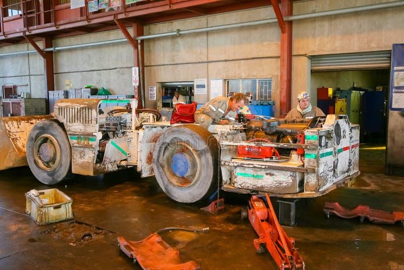 Mineração e maquinaria do paládio da platina imagem de stock