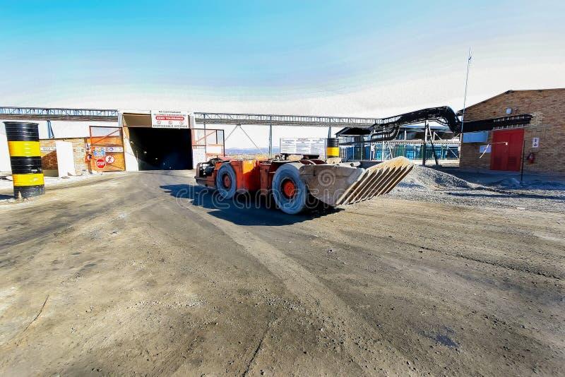 Mineração e maquinaria do paládio da platina fotos de stock royalty free