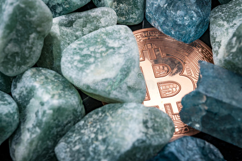 Mineração o conceito dos bitcoins imagem de stock royalty free