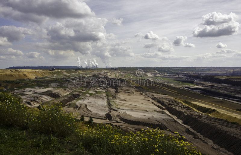Mineração Open-pit do lignite   foto de stock royalty free