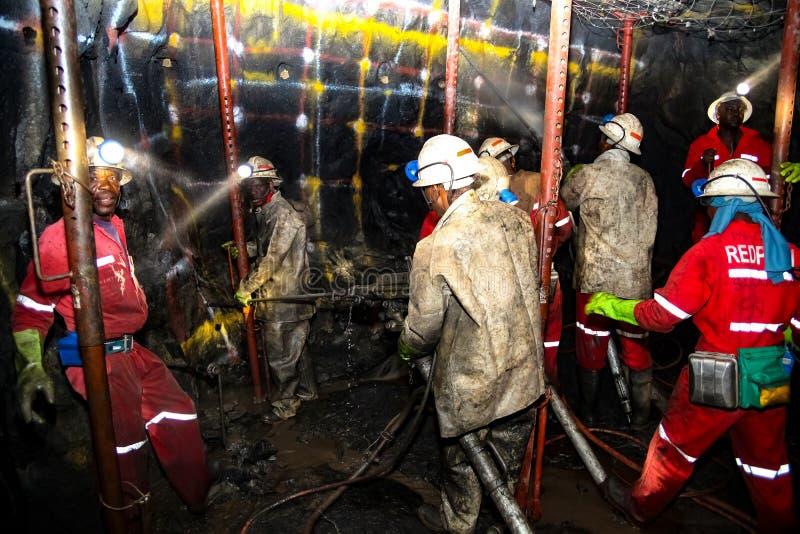 Mineração subterrânea e equipamento do paládio da platina imagem de stock royalty free