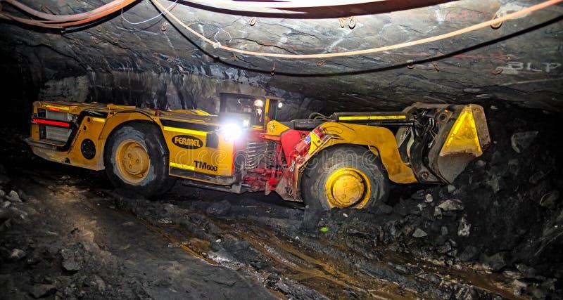 Mineração subterrânea e equipamento do paládio da platina fotografia de stock royalty free