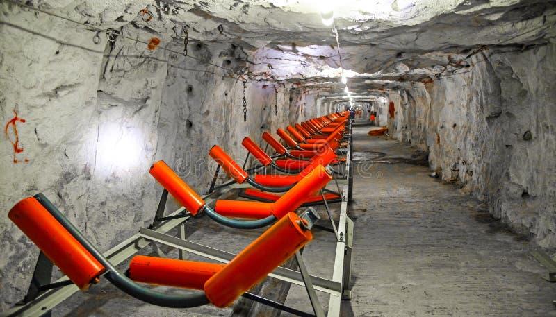 Mineração subterrânea e equipamento do paládio da platina foto de stock royalty free