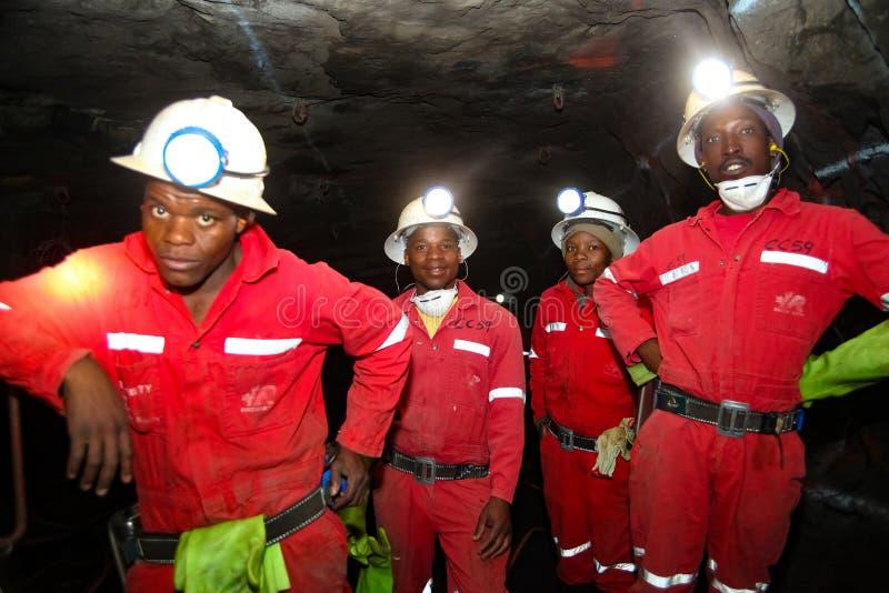 Mineração subterrânea e equipamento do paládio da platina fotografia de stock