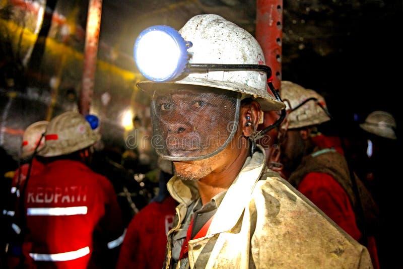 Mineração subterrânea e equipamento do paládio da platina fotos de stock