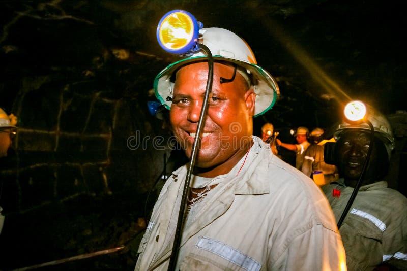 Mineração subterrânea e maquinaria do paládio da platina fotografia de stock royalty free