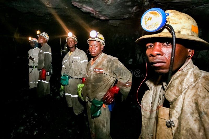 Mineração subterrânea e maquinaria do paládio da platina foto de stock royalty free