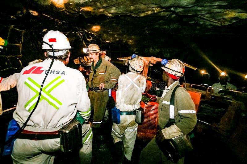 Mineração subterrânea e maquinaria do paládio da platina imagem de stock royalty free