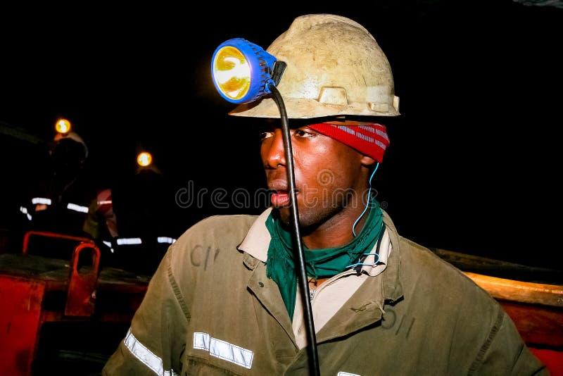 Mineração subterrânea e maquinaria do paládio da platina fotografia de stock