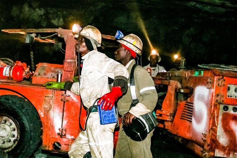 Mineração subterrânea e maquinaria do paládio da platina fotos de stock royalty free