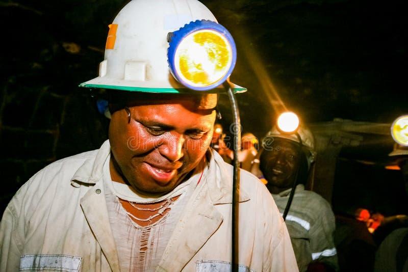 Mineração subterrânea e maquinaria do paládio da platina imagens de stock