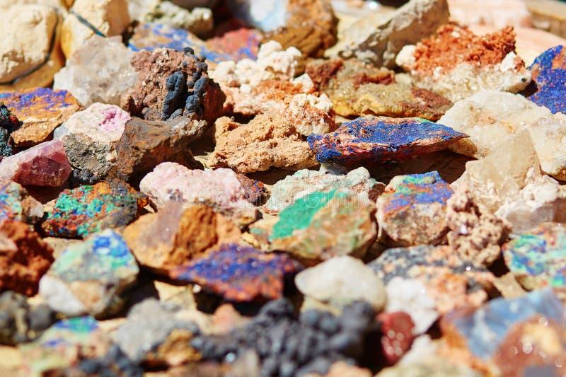 Minerais colorés photographie stock libre de droits