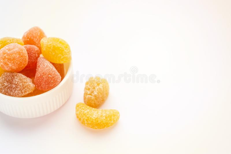 Mineral para los niños, fruta coloreada Gummies de la Multi-vitamina Vitaminas fotos de archivo libres de regalías