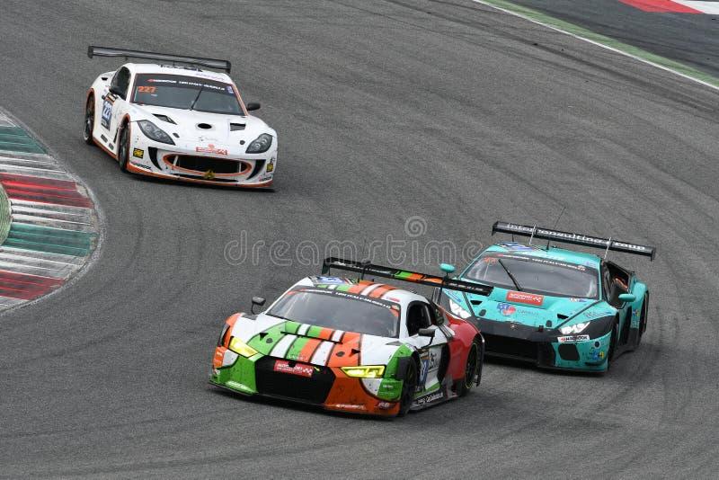 12 minerales Hankook Mugello 18 de marzo de 2017: Motorsport de la colección del coche #33, Audi R8 LMS imagenes de archivo