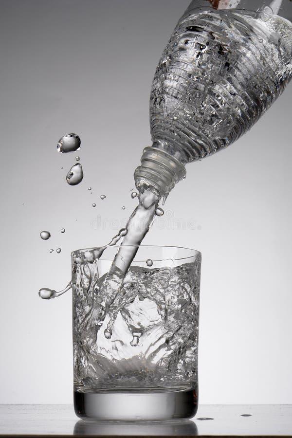Mineralwasser lizenzfreies stockbild