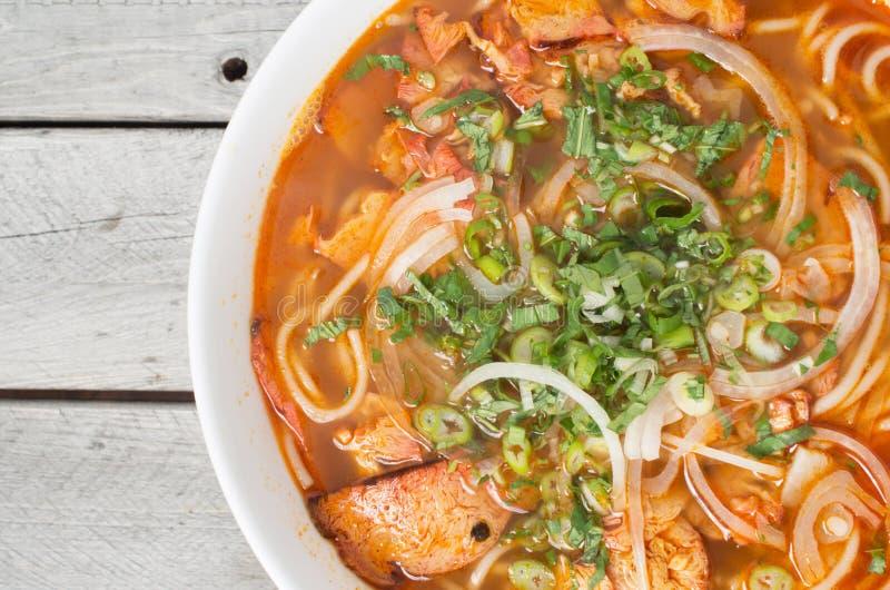 Minestra calda e piccante vietnamita, tonalità della BO del panino chay fotografie stock