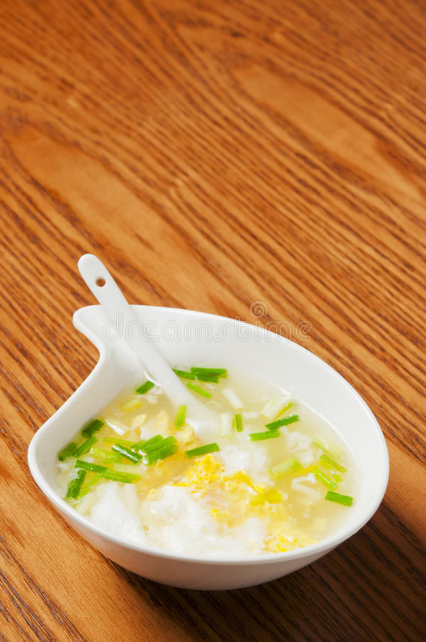 Minestra cinese dell'alimento-Uovo fotografie stock