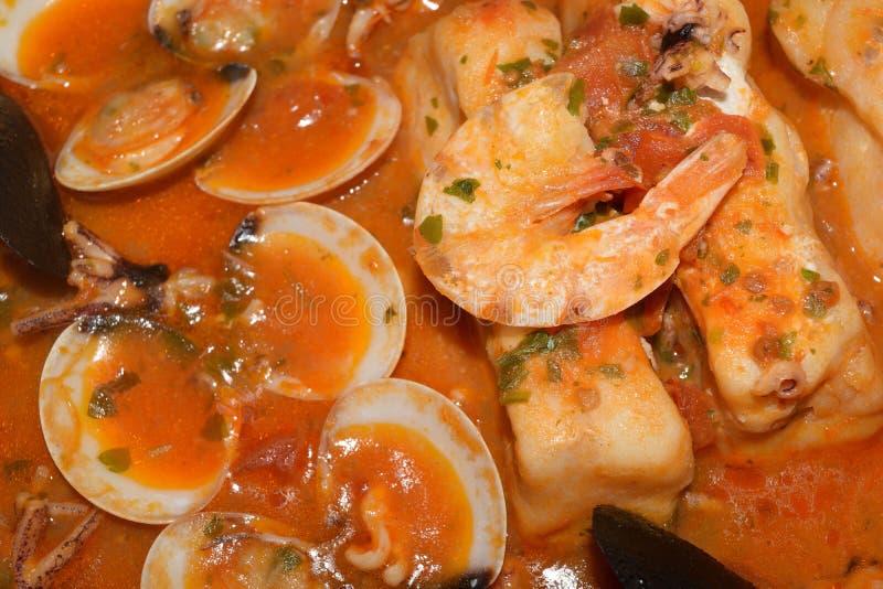 Minestra dei pesci immagini stock